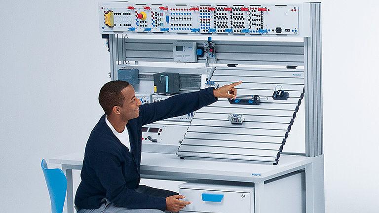 Bild: Pneumatische Steuerungs- und Antriebstechnik