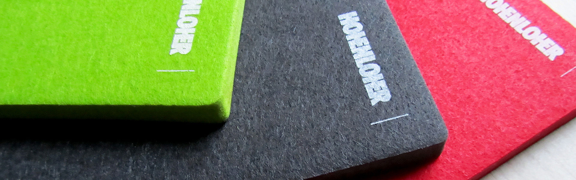 Magnetic acoustic felt in green, grey, red
