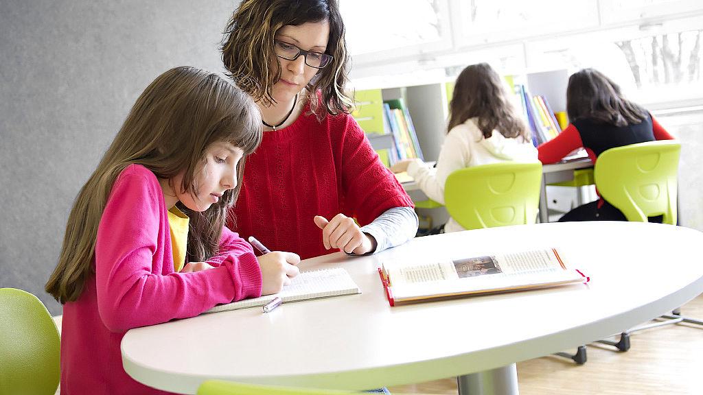 Bild: Lernen am COMFORT HV Tisch
