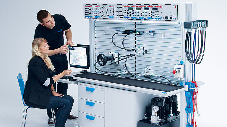 Bild: Hydraulische Steuerungs- und Antriebstechnik