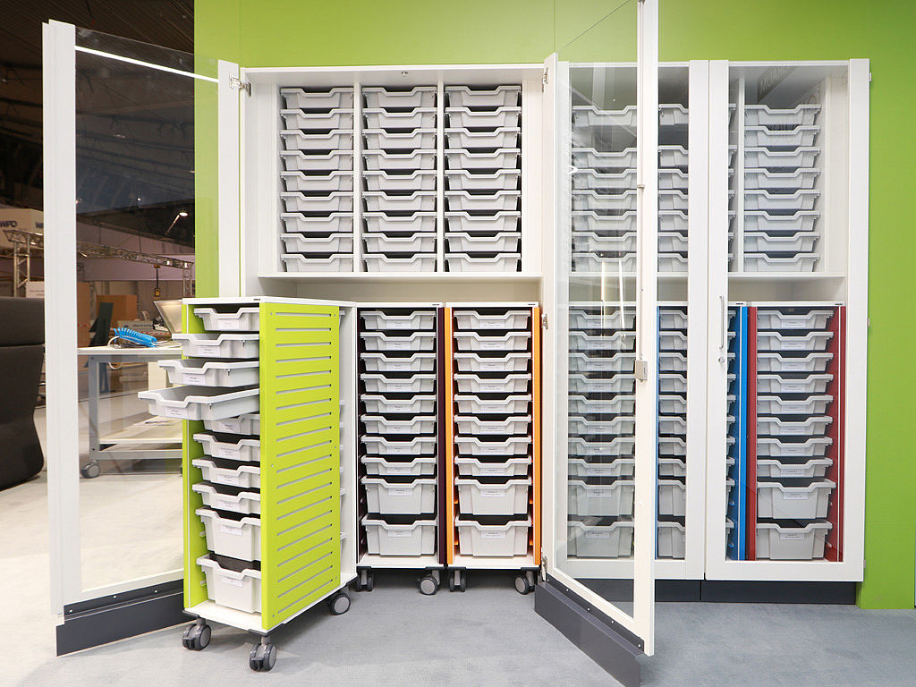 Imgae: Practical Hohenloher garage cabinets