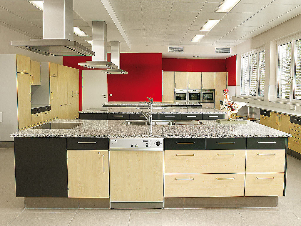 Bild: Learning kitchen with extractor hoods