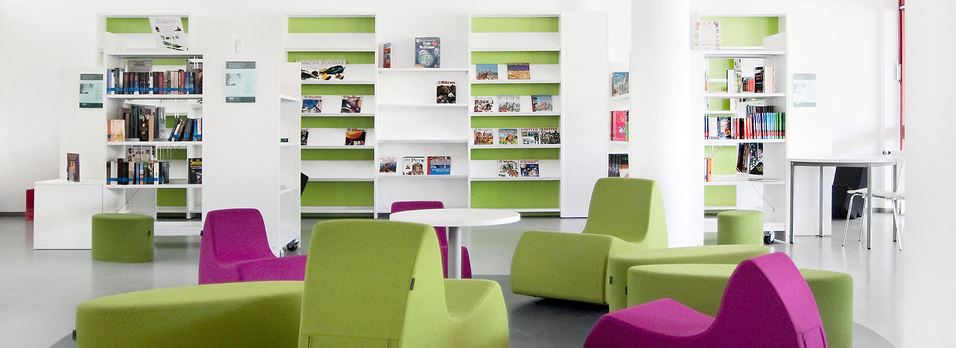 Bild: Bibliothek aus RATIO Grundregalen