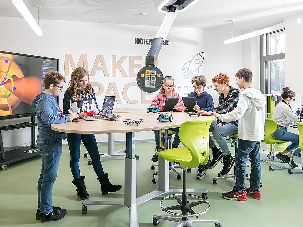 Image: Experiments in a Makerspace