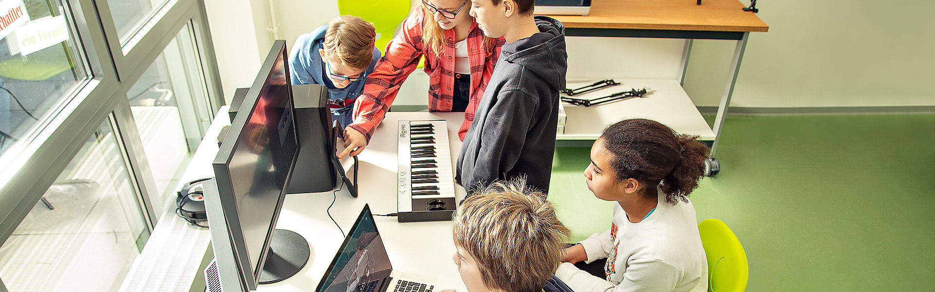 Bild: Schüler in Klassenzimmer