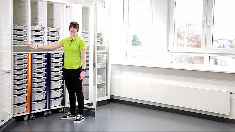 Video: Garagenschrank für Lernboxen